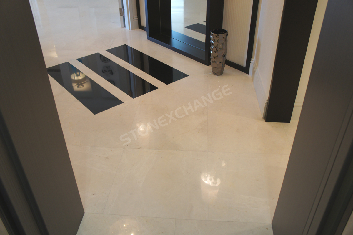 Luxury Apartments Condo Floor: Elegant Marble Tiles For A Luxury Condo Apartment