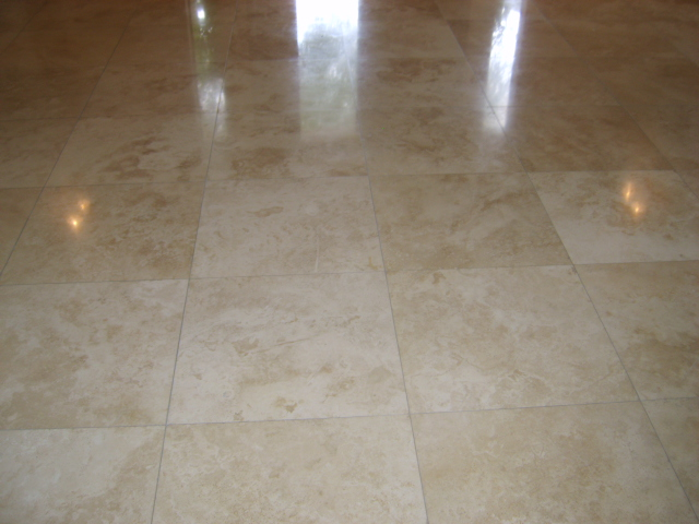 Designing Luxury Bathrooms With Polished Travertine Tiles
