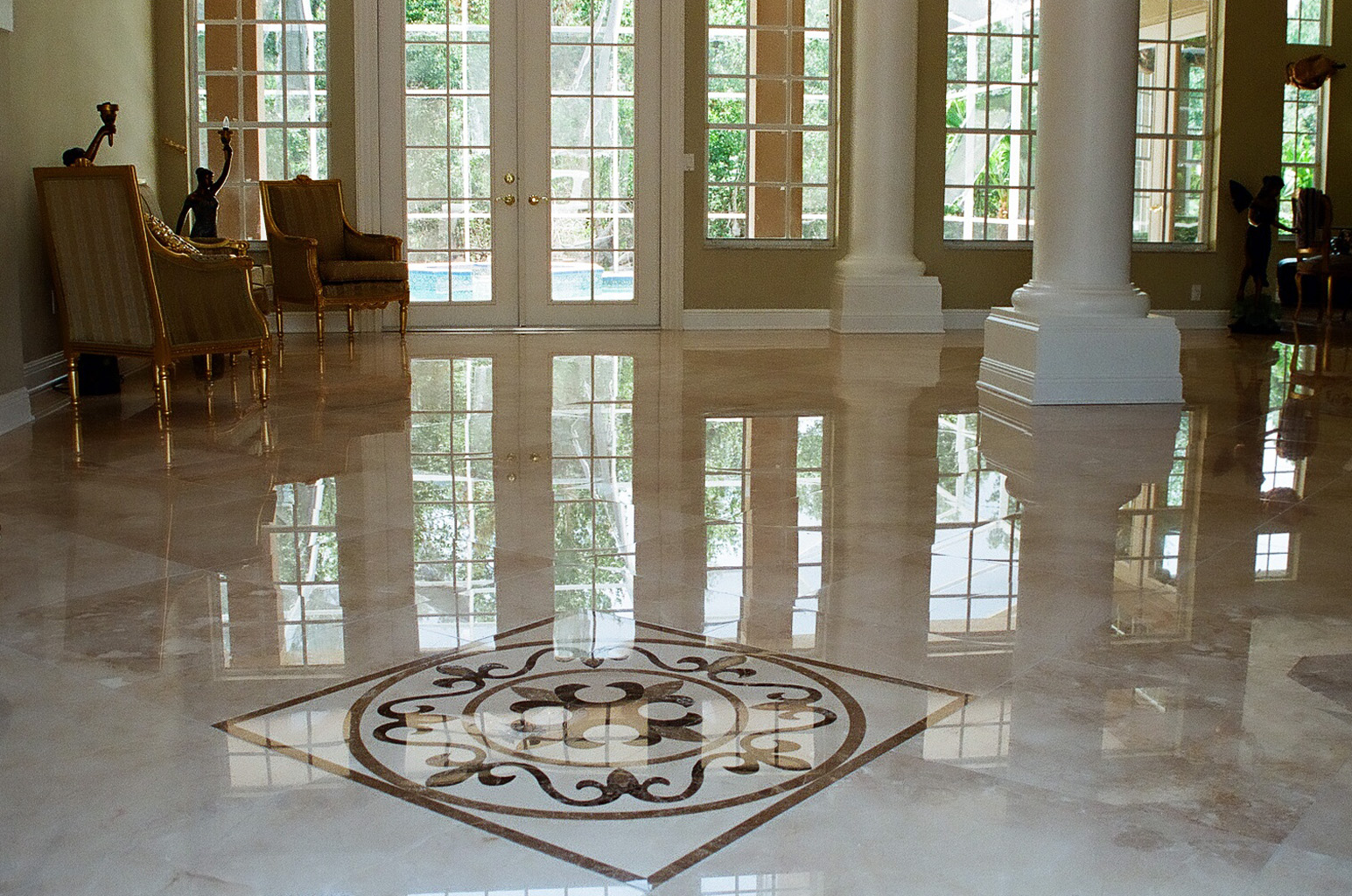 Luxury marble flooring options for your home nalboor for Floor marble design
